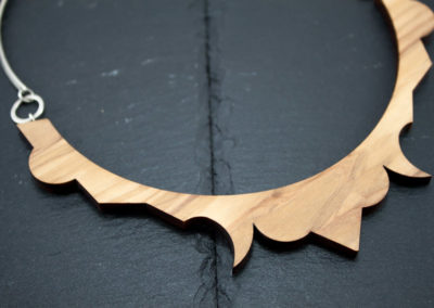 FREGIO - Olive wood and Silver handmade collar