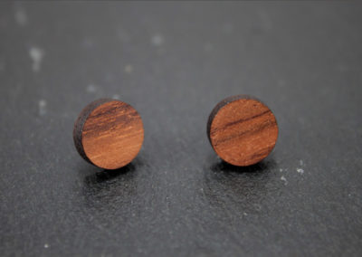 Logo round earrings by Altrosguardo