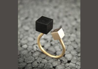 Ramo ring by Altrosguardo