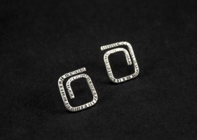 Altrosguardo Aurora lobe square earrings