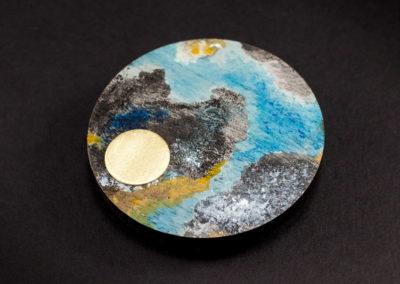 Terra brooch by Altrosguardo